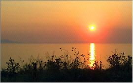Scaleta: Sundown over the bay