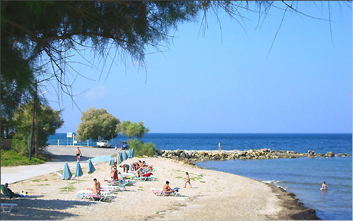 Scaleta: The pebbled beach in the East